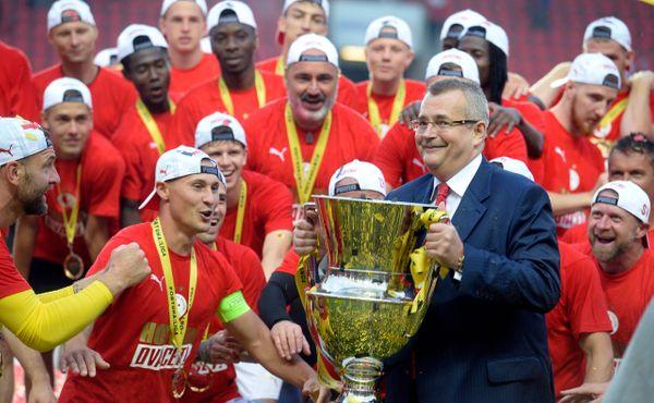 Slavia naprosto dominuje českému fotbalu. Zabrzdit ji bude nad síly ostatních