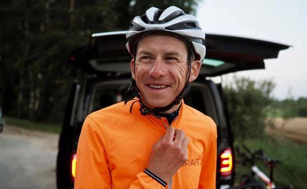 Šlapat denně přes 400 kilometrů a spát hodinu, pro Polmana žádný problém