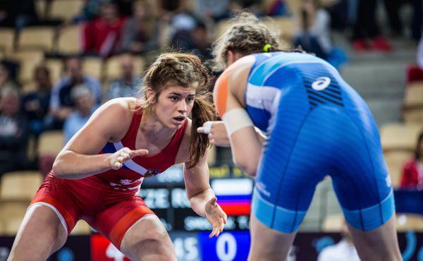 Zápasnice Hanzlíčková postoupila do čtvrtfinále evropské olympijské kvalifikace