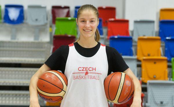 Basketbalistka roku Elhotová vděčí za úspěch svému synovi