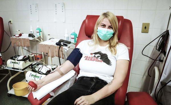 VIDEO: Pražské Harpyje slíbily, že poteče krev. Slovo dodržely