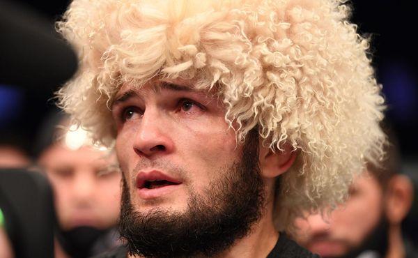Tři ovce vyhrál v sázce. Z šampiona UFC farmářem