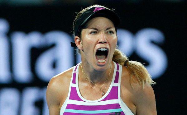 Sedni si jinam, ječela nervózní tenistka Collinsová na svého přítele. Postup jí to nepřineslo
