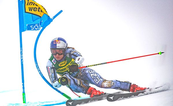 Ledecká zahájila sezonu 20. místem v obřím slalomu v Söldenu