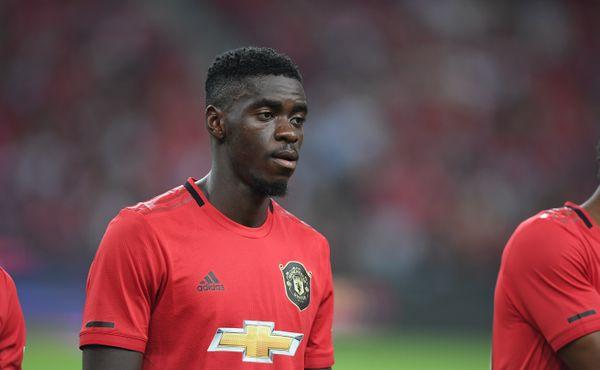 Bizarní rekord hrdiny Manchesteru United. Tuanzebe krmil hladové hrochy nejrychleji na světě