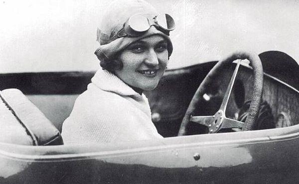 Nejrychlejší žena světa. Eliška Junková milovala svého muže a Bugatti