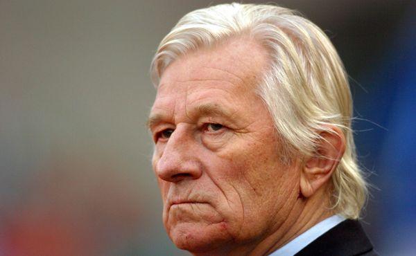 Karel Brückner slaví 81 let. Kvůli fotbalu utekl z nemocnice jako Pepik Hnátek