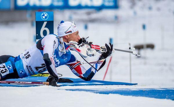 Bratrovražedný sprint, Tarjei Bø překvapivě porazil Johannese. Krčmář desátý