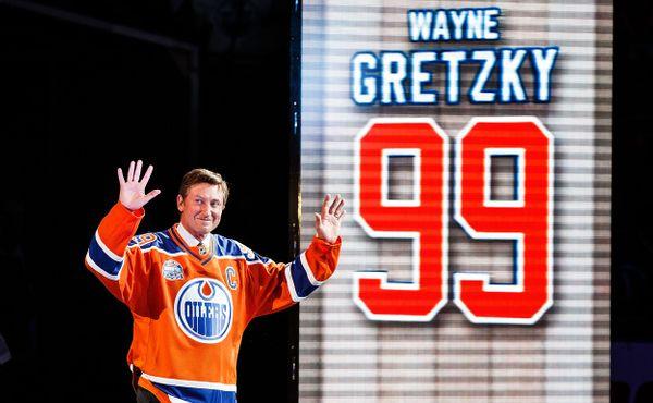 Hokejová kartička s legendou se vydražila za rekordní částku
