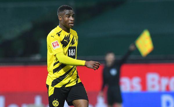 Přepište dějiny. Bažant vdresu Dortmundu se stal nejmladším střelcem Bundesligy