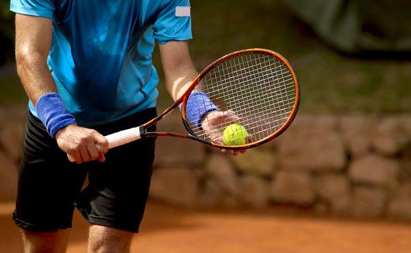 Tenista López Pérez ovlivňoval zápasy. Osm let si může pinkat maximálně o zeď
