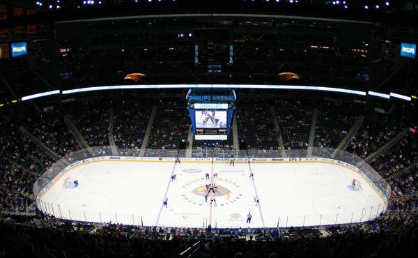 NHL konečně začala, Palát si hned otevřel střelecký účet