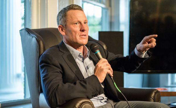Pohled expertů: Lance Armstrong o očkování v České republice