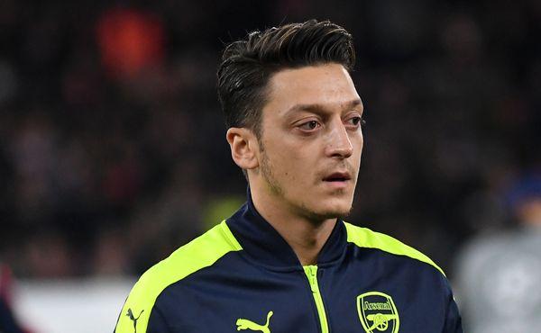 Nabídka pro Arsenal: Mesut Özil na splátky