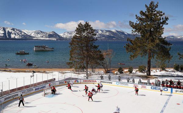 Utkání NHL na břehu jezera trvalo téměř 11 hodin
