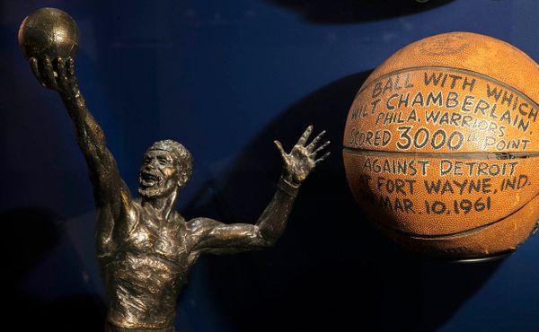 Wilt Chamberlain: Jeho 100 bodů za zápas nikdo nepřekonal