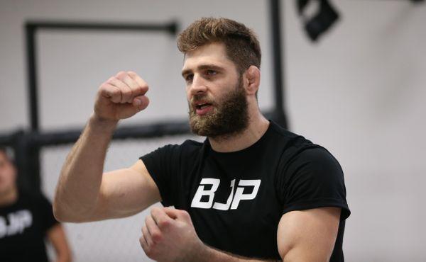Šampiona je třeba knockoutovat, tvrdí Jiří Procházka