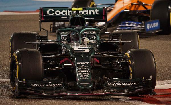 Než závodit za Aston Martin, měl si dát pauzu, radí Vettelovi