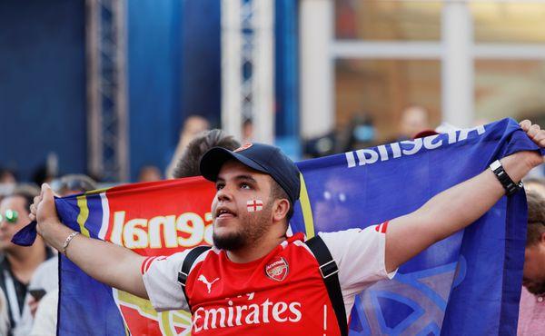 Arsenal se bouří. Fanoušci se chtějí zbavit majitele