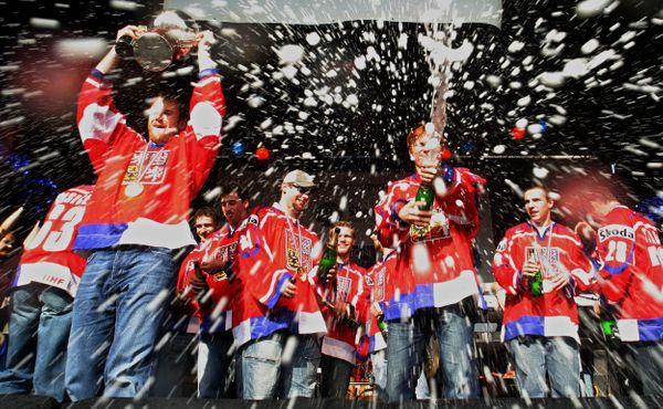Před 25 lety začala ve Vídni zářit zlatá generace českého hokeje