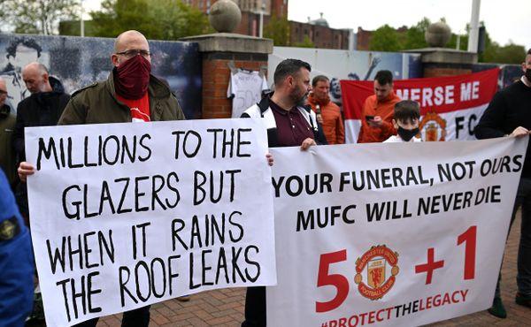 Jsou vášniví, komentuje Manchester United řádění svých fanoušků