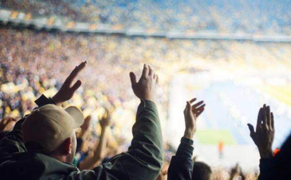Fotbalový účet za koronavirus: 95 miliard korun